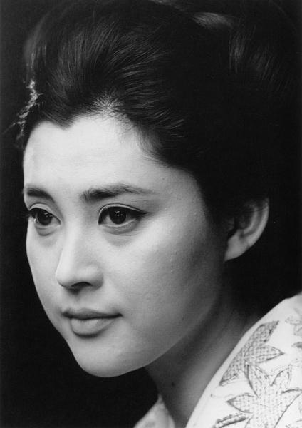 Mariko Okada biography